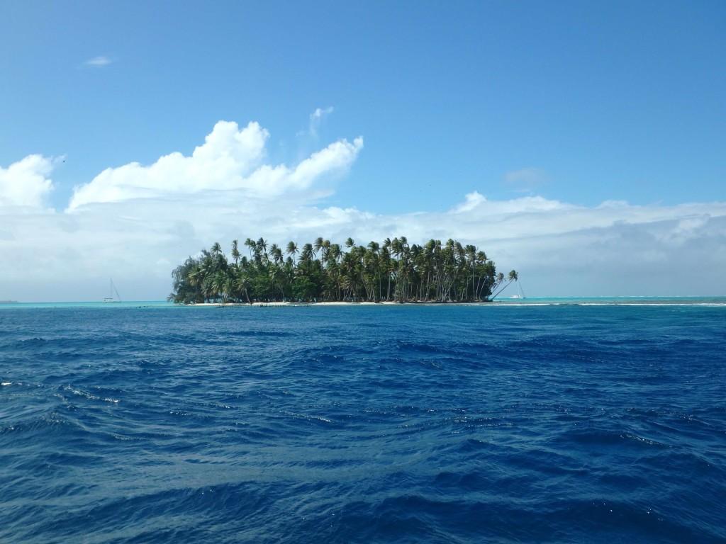 Isle Mahea - Entering Tahaa Lagoon at Passe Toahotu