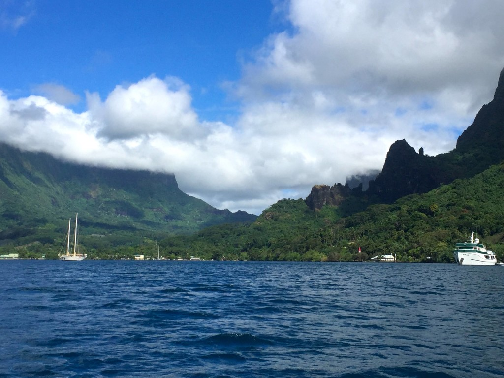 Cooks Bay - The lovely tropical weather has softened our memories of the difficult passage